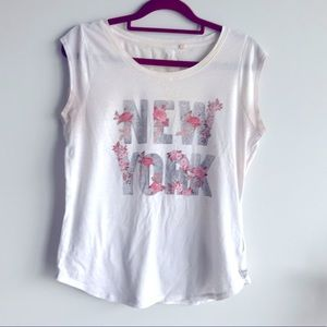 🎀Guess Logo Los Angles M Size White Beige Top